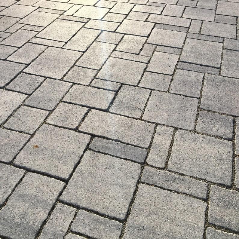 Riano-Barocco-basalt-clean-texture-795x795